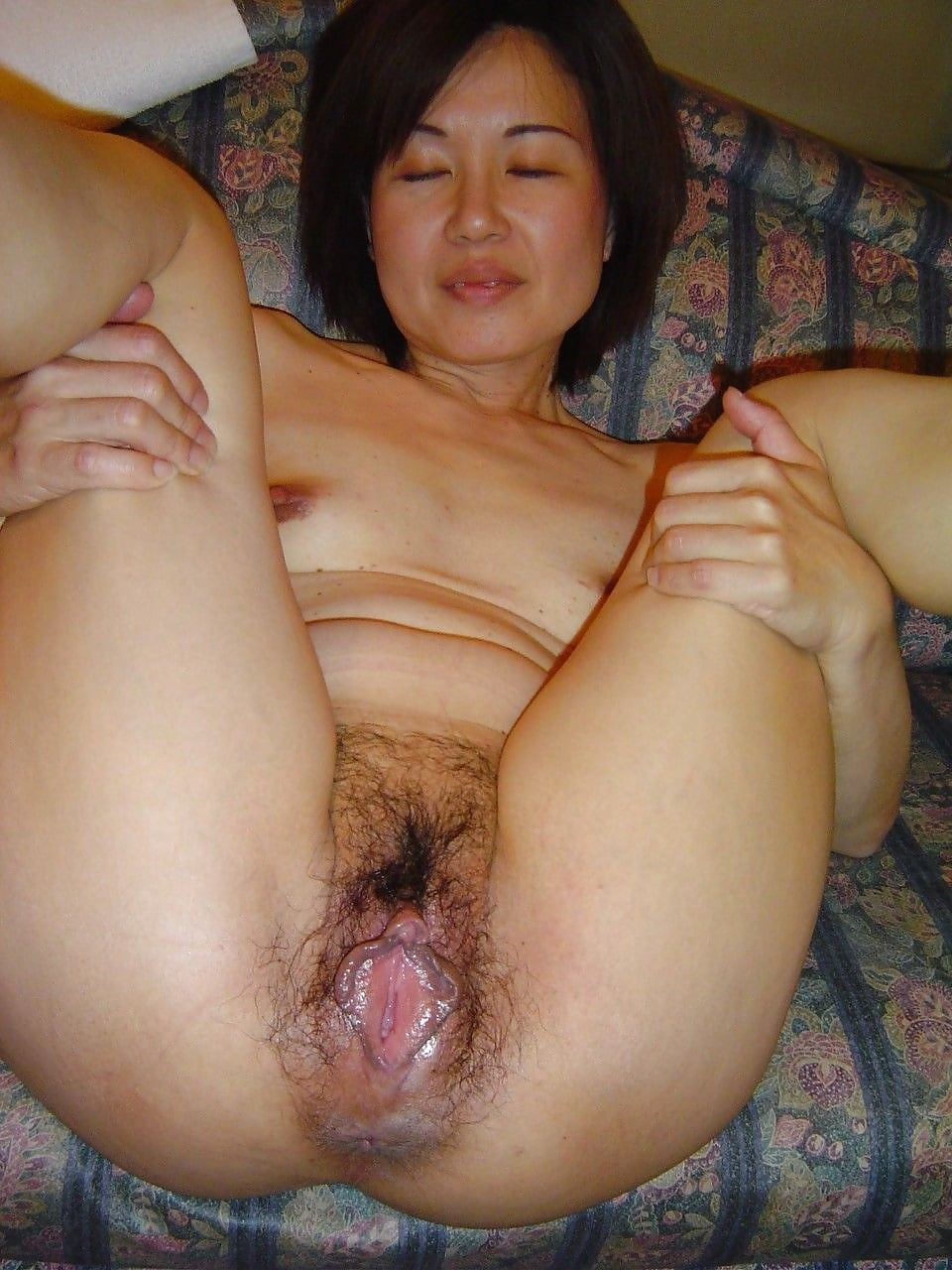 eating cum covered hairy pussys